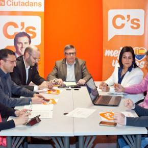 Ciutadans se solidariza con las reivindicaciones de los trabajadores del CST.